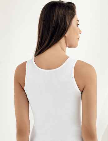 Şahinler - Sahinler geripptes Unterhemd mit breiten Trägern, Ausschnitt mit Guipure-Stickerei weiß MB011 (1)